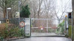 Bundesstelle für Fernmeldestatistik in Husum. Sie ist mittlerweile geschlossen. Vermutlich ist die Einheit nach Berlin in den BND-Neubau umgezogen. https://www.shz.de/lokales/husumer-nachrichten/besuch-beim-bundesnachrichtendienst-so-lebte-das-team-in-husum-id21680852.html